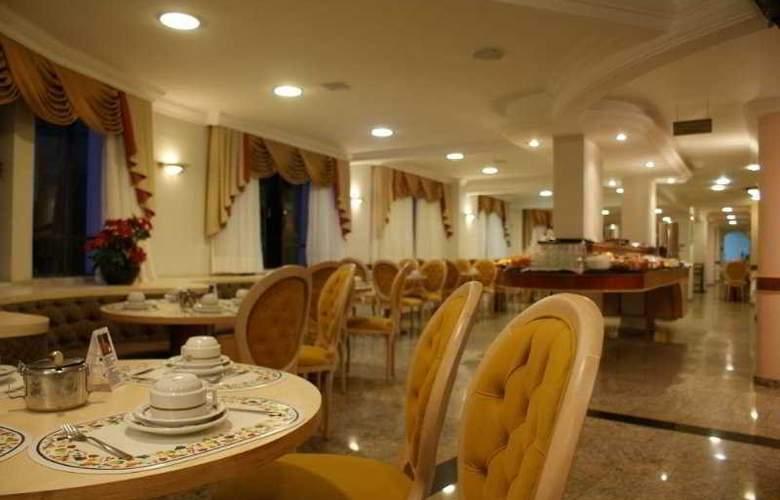 Hotel Del Rey - Restaurant - 5