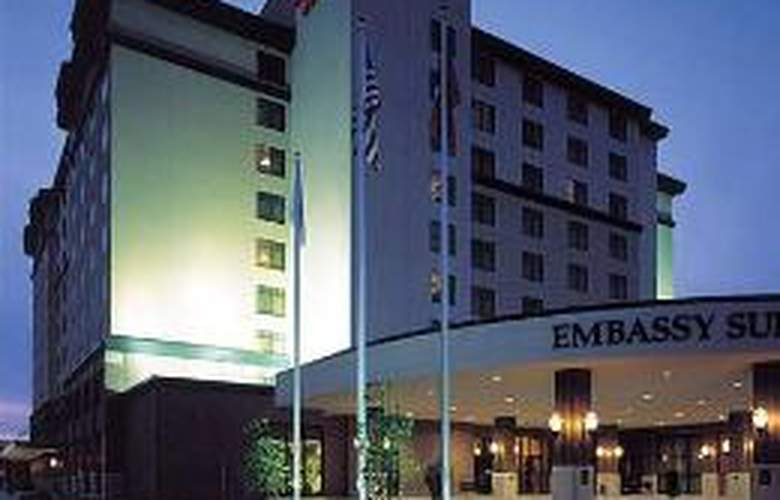 Embassy Suites Lincoln - Hotel - 0