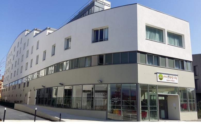 Mer & Golf City Bordeaux - Hotel - 3