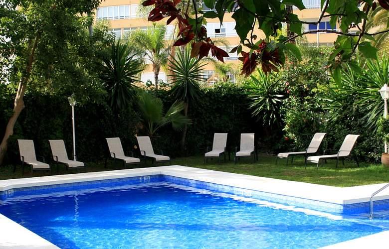 Arcos De Montemar - Pool - 2