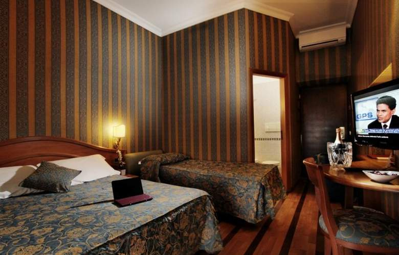 Solis - Room - 15