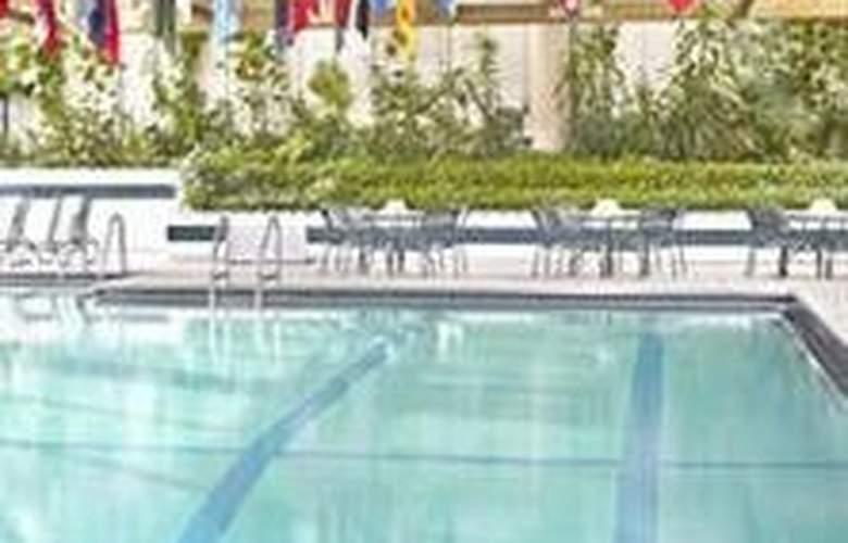 Marriott Chicago Oak Brook - Pool - 3