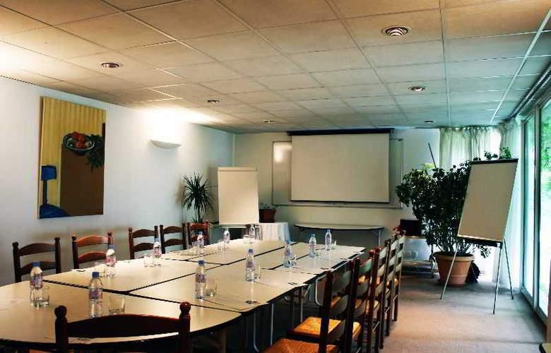 LES JARDINS DU LAC - Conference - 2
