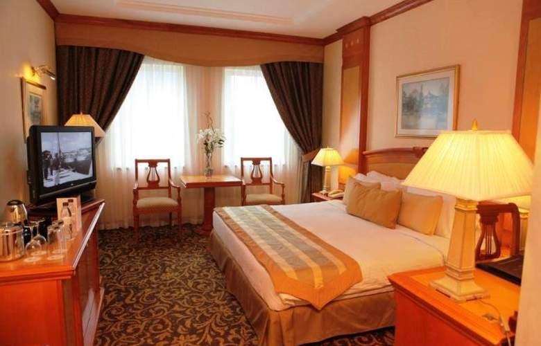 Carlton Palace - Room - 6
