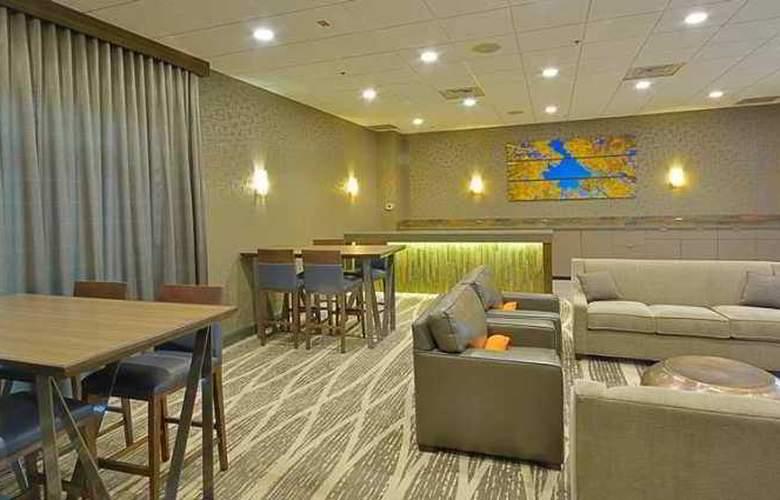 Embassy Suites Denver Aurora - Hotel - 10