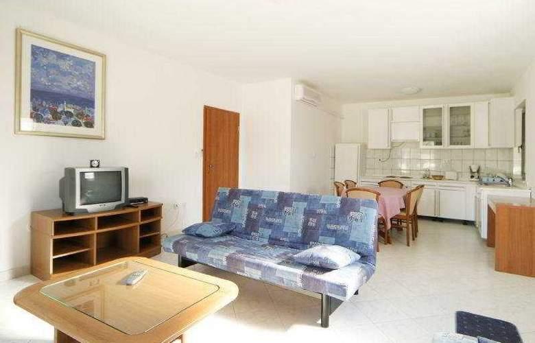 Villa Pucisca - Room - 8