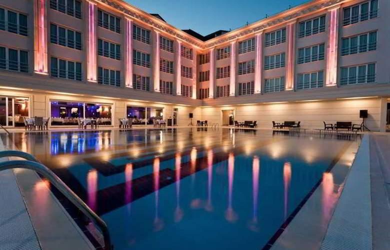 Mercia Hotels & Resort - Pool - 7