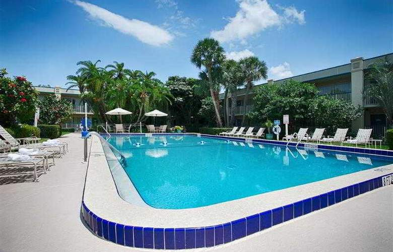 Best Western Plus Downtown Stuart - Hotel - 38