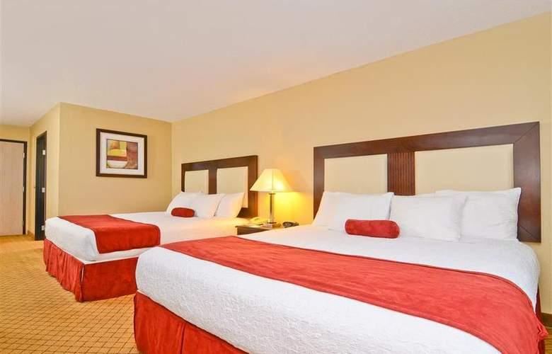 Best Western Plus Macomb Inn - Room - 40