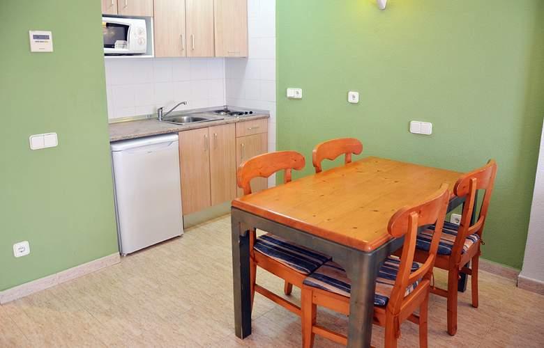 Blue Star Apartamentos - Room - 19