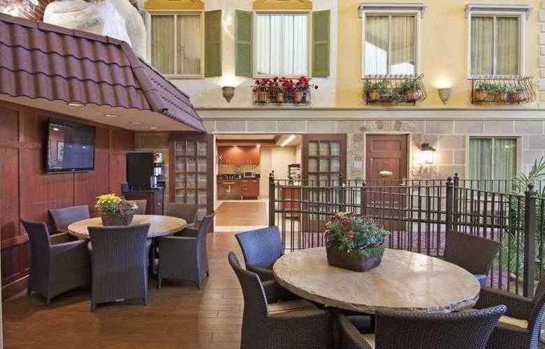 Best Western Plus White Bear Country Inn - Hotel - 35