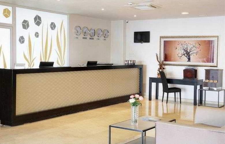 Best Western Plus Liberte Hotel - Hotel - 53