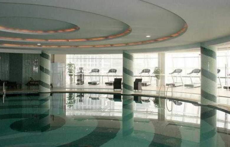 Xingyu Oriental Bund - Pool - 11