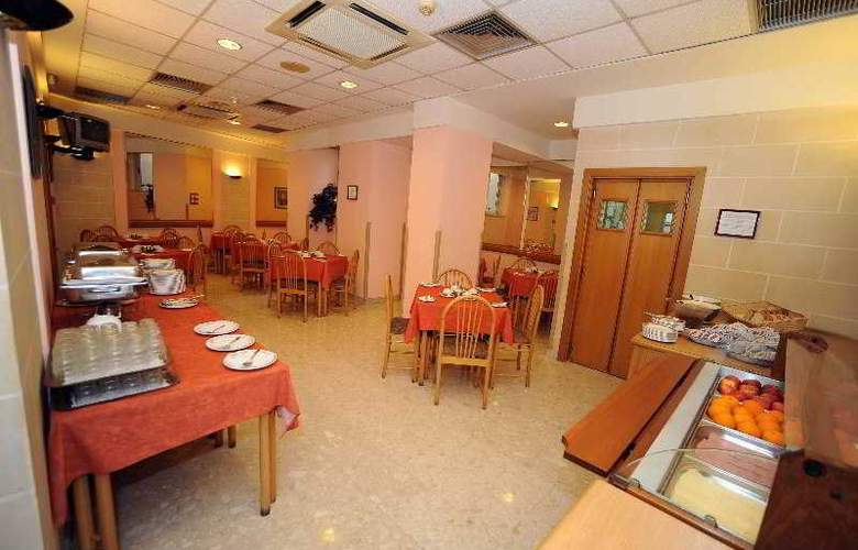 Sliema Chalet - Restaurant - 12