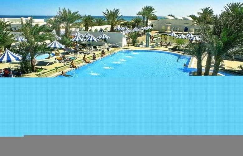 Les Sirenes Thalasso & Spa - Pool - 4