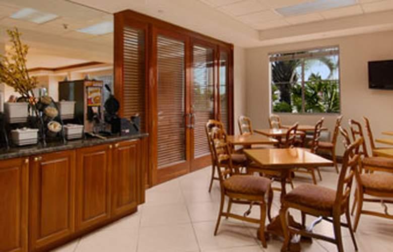 Baymont Inn & Suites Miami Airport West - Bar - 4