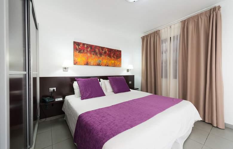 Suite Hotel Jardin Dorado - Room - 2