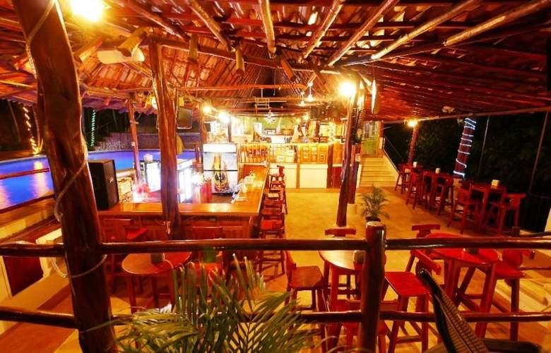 Best Western Tamarindo Vista Villas - Bar - 24
