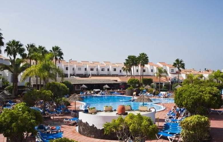 Select Sunningdale - Pool - 7