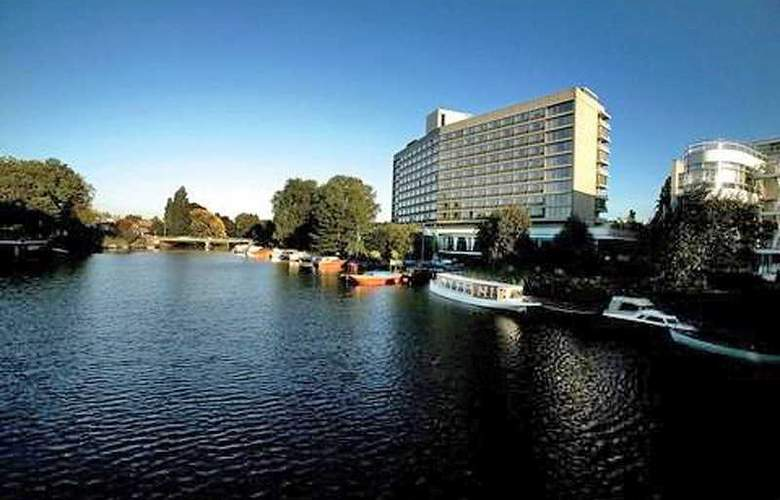 Hilton Amsterdam - Hotel - 0