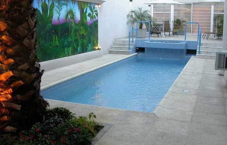 Argentino - Pool - 2