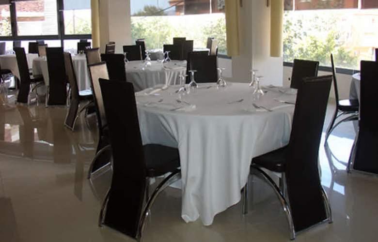 Diego's - Restaurant - 3