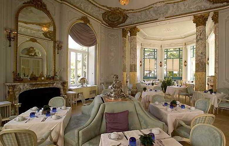 Pestana Palace Hotel and National Monument - Restaurant - 9