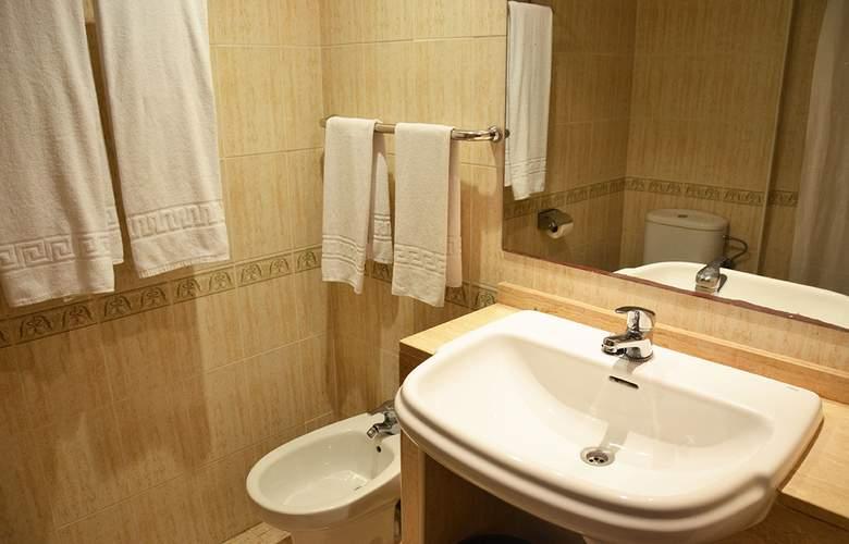 Blue Star Apartamentos - Room - 13