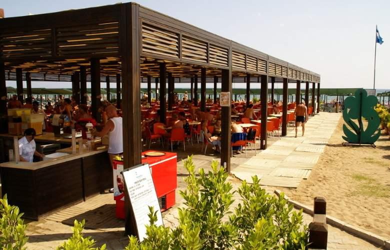 SIDE BREEZE HOTEL - Restaurant - 4