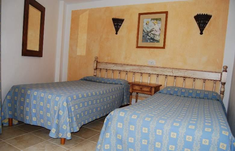 Playa Ferrera - Room - 4