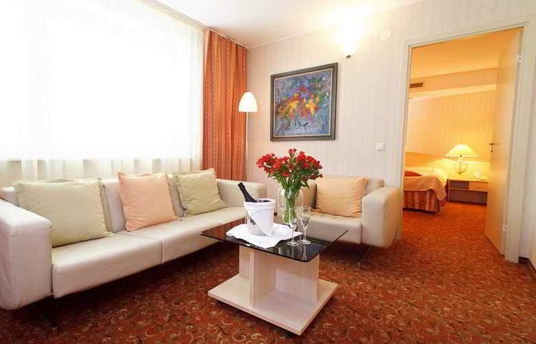 Ratonda Centrum - Room - 6