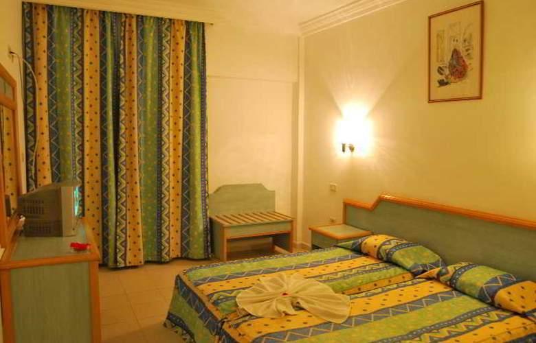 Karawan Beach & Resort - Room - 3