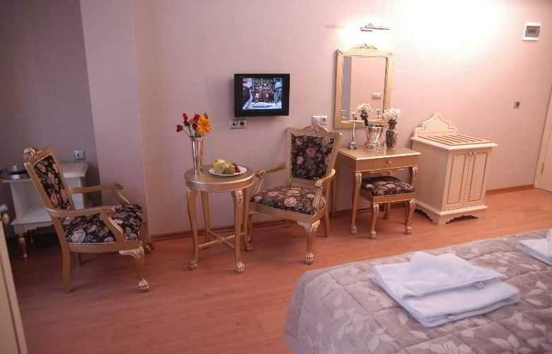 Saba Sultan - Room - 13