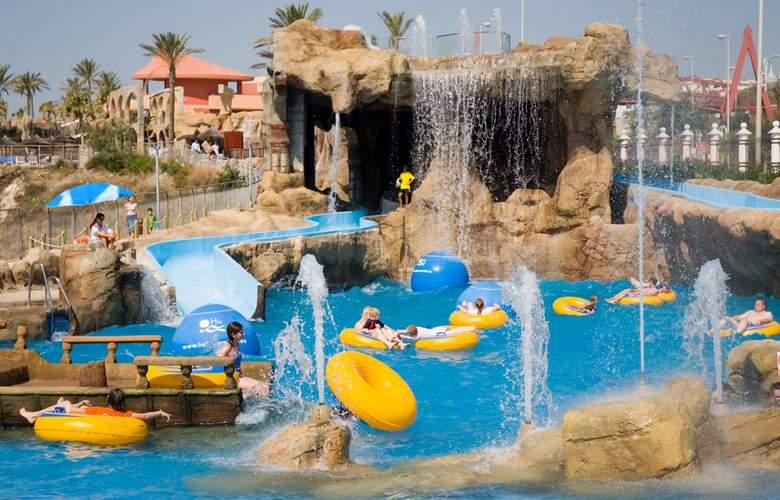 Holiday World Village - Pool - 13