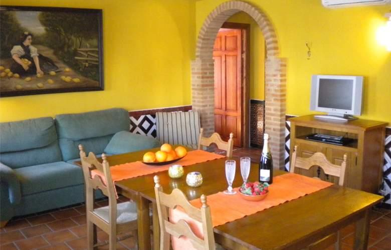 La Estancia - Villa Rosillo - Room - 15
