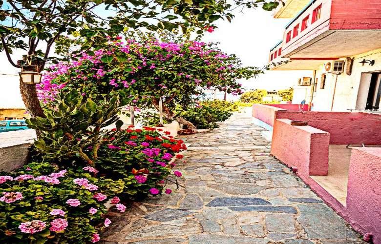 Apokoros FAmily Hotelapt - Terrace - 39
