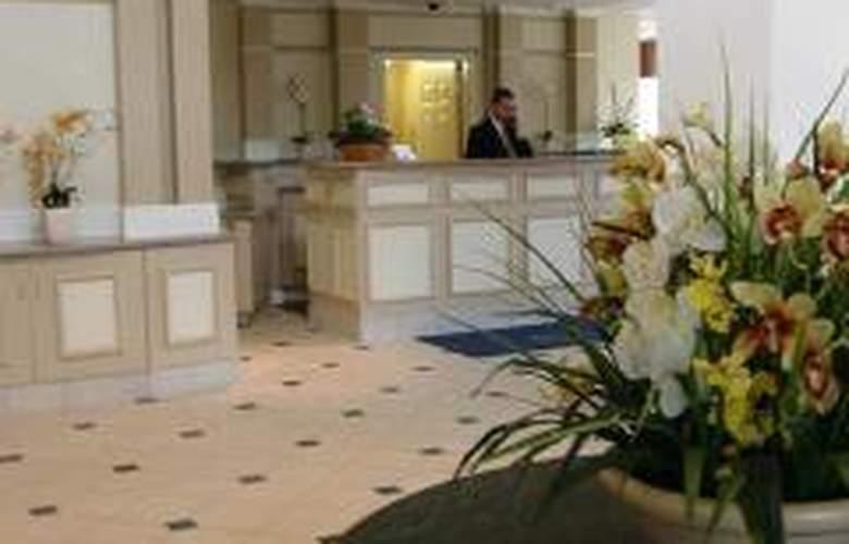 Hilton Garden Inn Wooster - General - 0