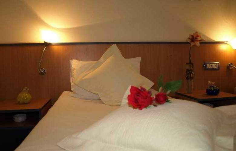 Voila Hotel - Room - 4
