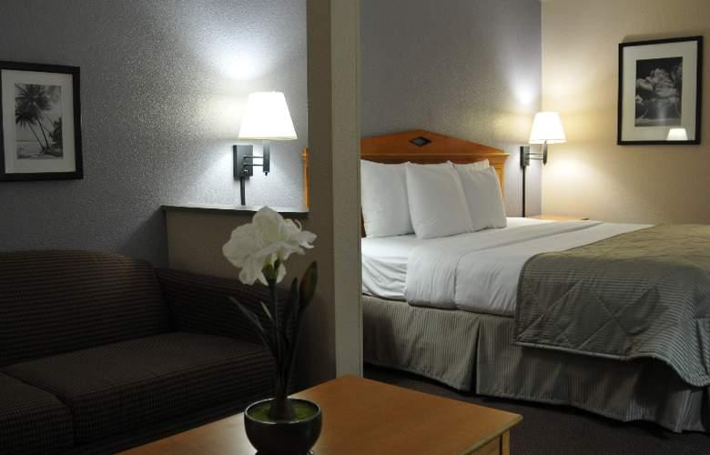 Clarion Suites Maingate - Room - 3