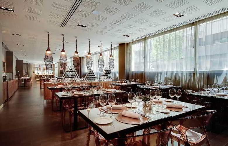 Rafaelhoteles Forum Alcala - Restaurant - 47
