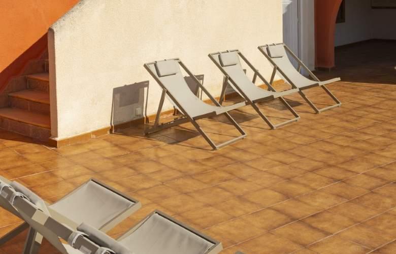 Es Baulo Petit Hotel - Terrace - 5