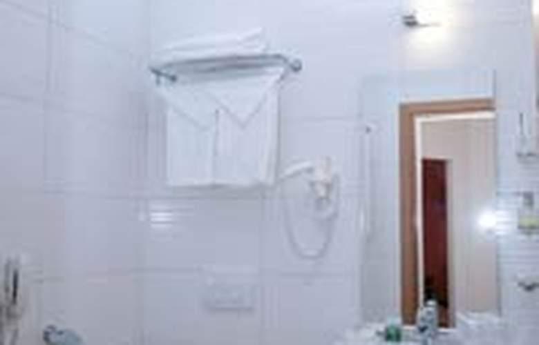 Plus Mari Vila Bucharest - Room - 5