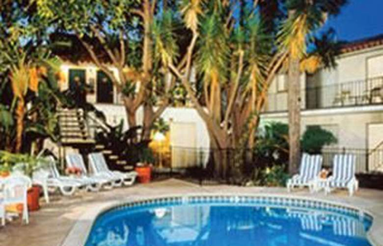 Inn By The Harbor - Pool - 2