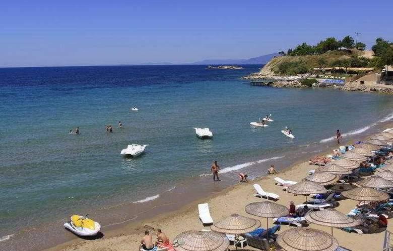 Sealight Resort Hotel - Beach - 8