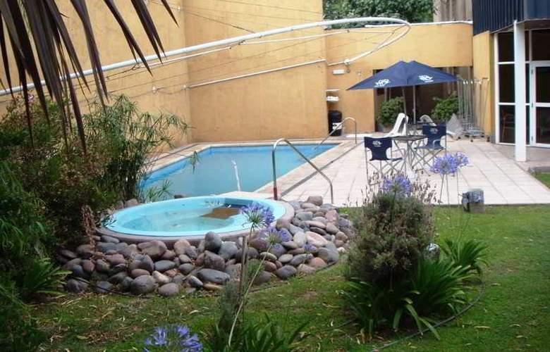 Apart Hotel Maue - Pool - 12