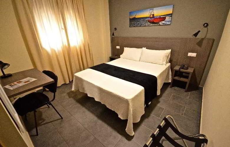 Hotel Puerto Canteras - Room - 10