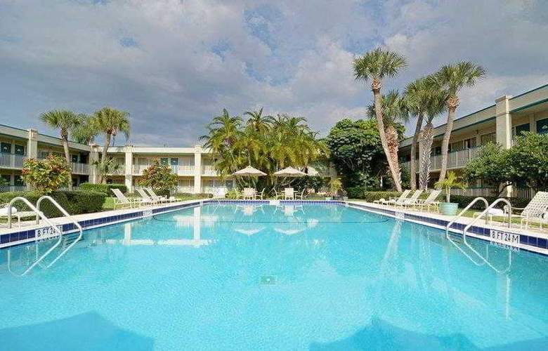 Best Western Plus Downtown Stuart - Hotel - 27