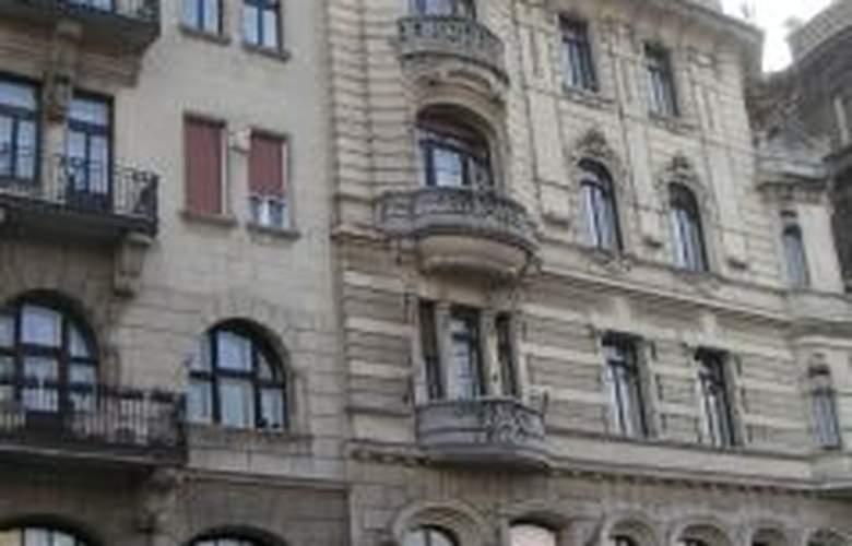 City Hotel Matyas - Hotel - 0