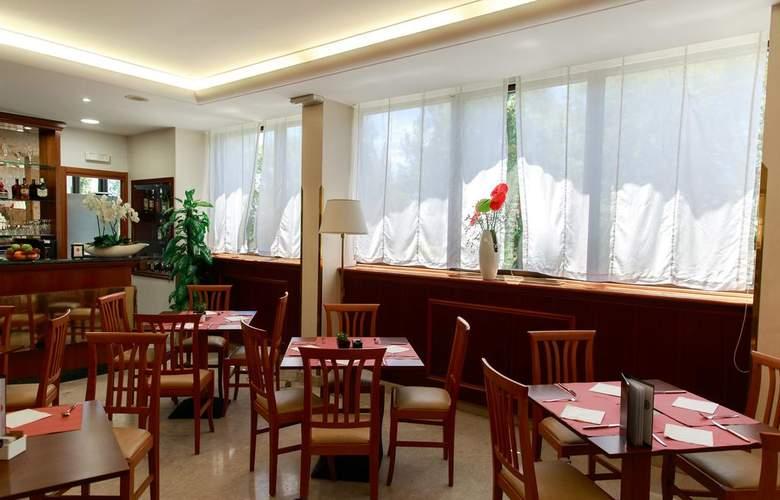 The Brand - Restaurant - 9