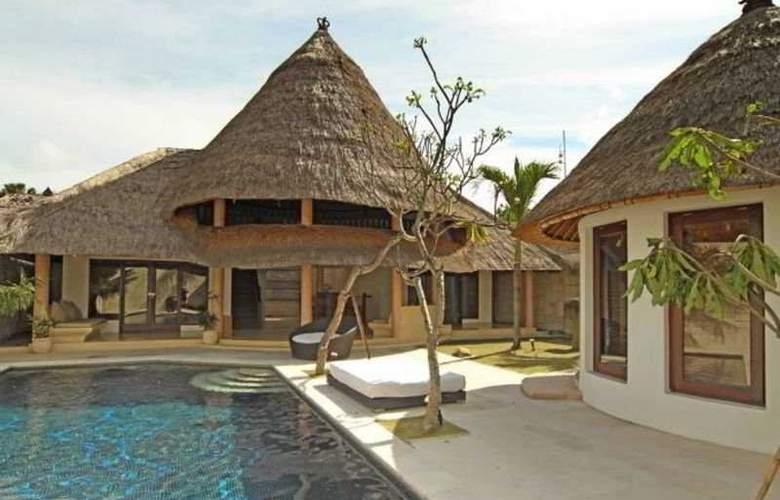 B Villa Seaside - Hotel - 0